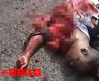 トラックに圧し潰されて死亡してしまった男性、身体から飛び出した心臓がまだ動いていた…