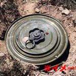 地雷を踏んでしまったISIS兵士、胸から下が吹き飛ぶ…